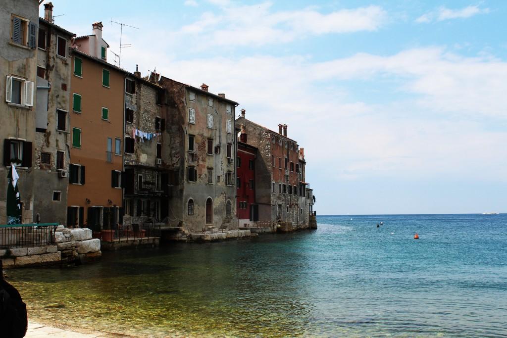 Почти като Венеция - Ровини във водата